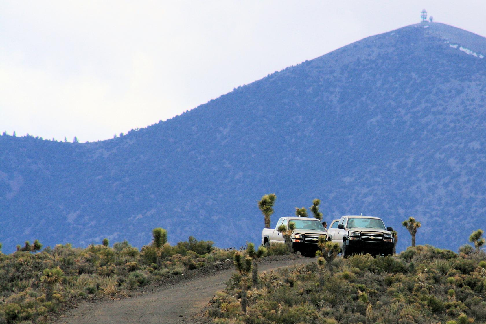 area 51 nevada photo area 51 security officers sit in trucks on a