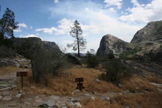 Hetch Hetchy view with trail signs