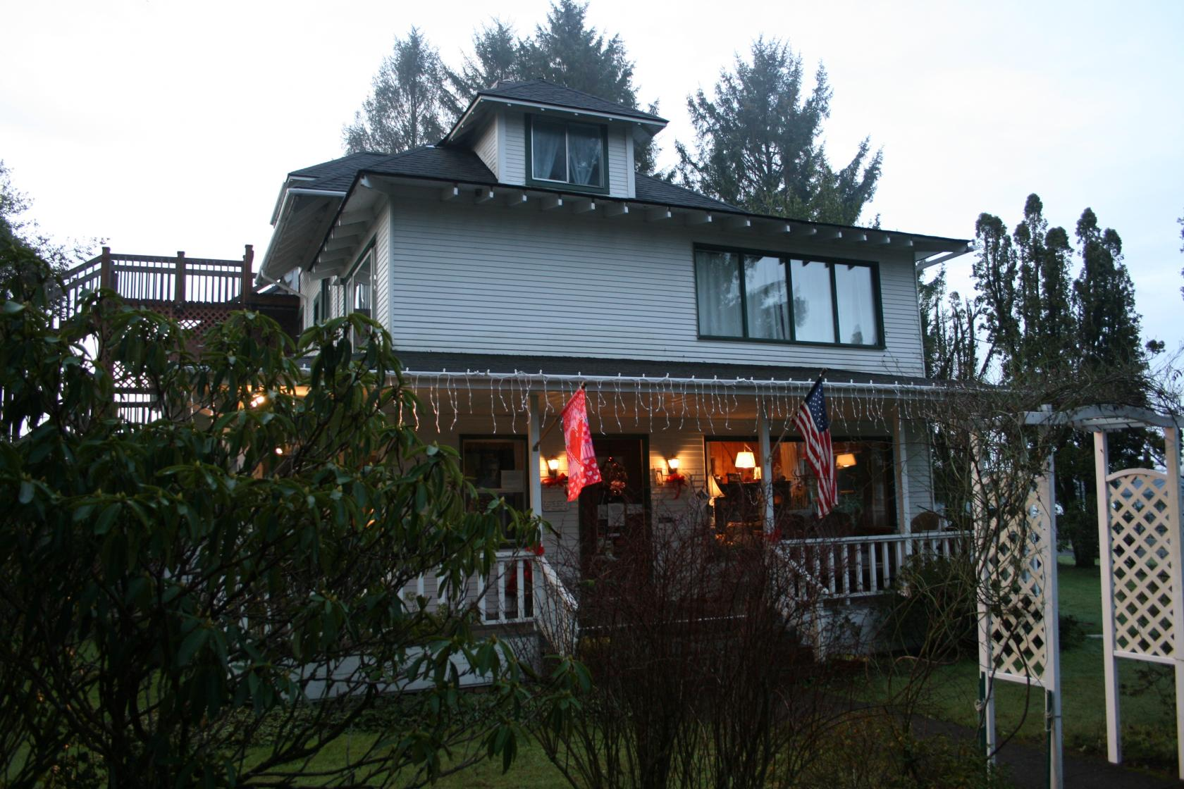 Forks Washington Photo: The Cullen House (a.k.a. the Miller Tree Inn) - Without Baggage & Forks Washington Photo: The Cullen House (a.k.a. the Miller Tree ...
