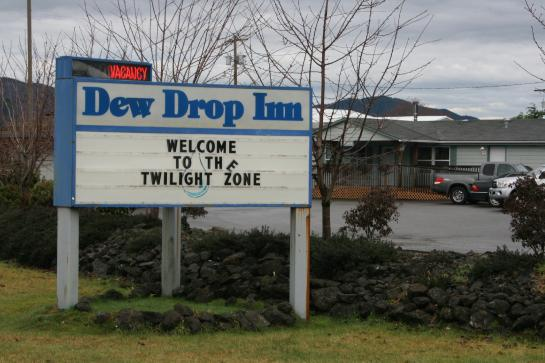 The Dew Drop Inn welcomes Twilight fans.