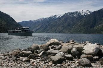 The Lady of the Lake pulls away from Prince Creek Beach on Washington's Lake Chelan.