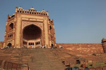 The entrance gate to Fatehpur Sikri, an ancient city that once served as the Mughal Empire's capital.
