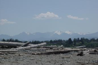 Cascade mountains from Dungeness Spit