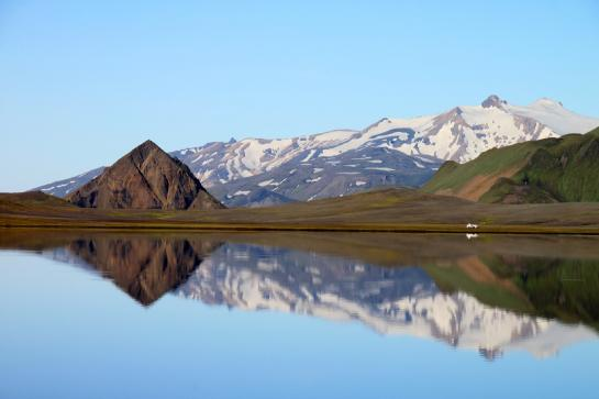 Álftavatn Lake reflects the surrounding mountains. (photo by Brian Leukart)