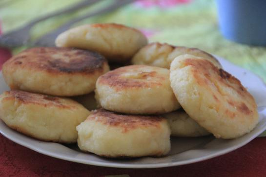 Syrniki, Russian cottage cheese pancakes, are a traditional Russian dish.