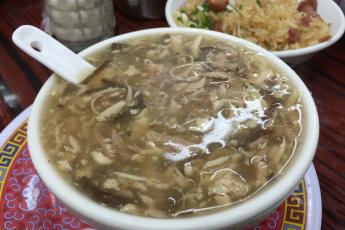 Snake King (Se Wong Yee) serves popular snake soup in Sham Shui Po.